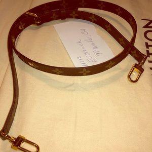 Louis Vuitton 16mm crossbody strap!